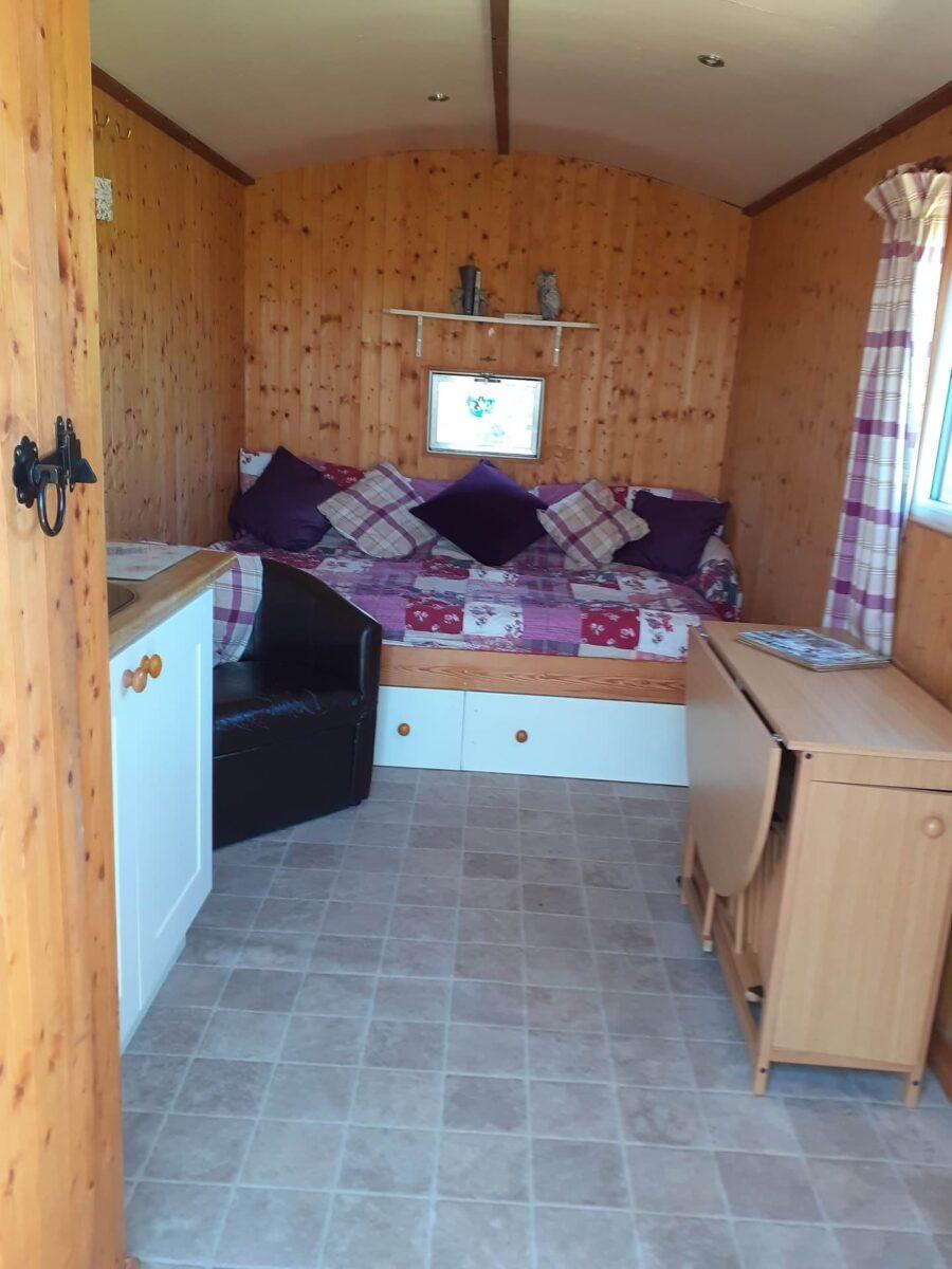 Bluebell Shepherds Hut 1