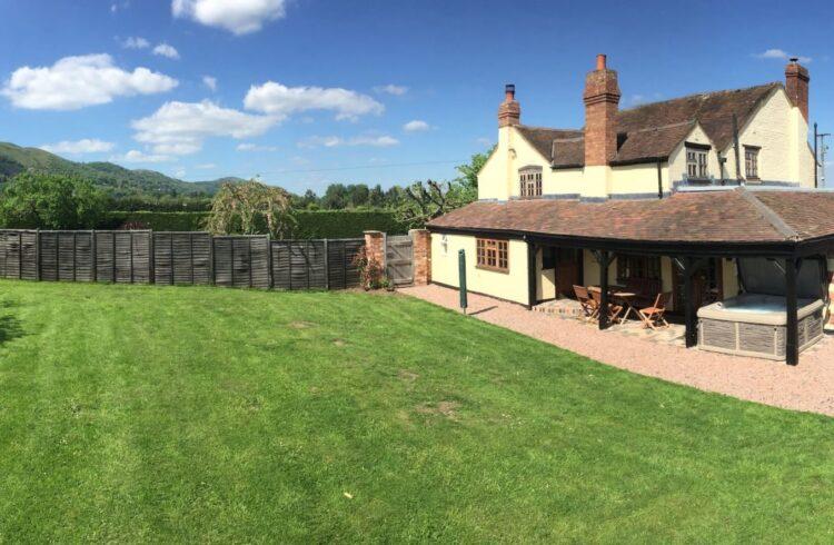 Brambles Cottage 1