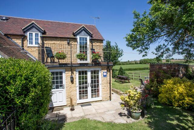 Hillside Cottage 3
