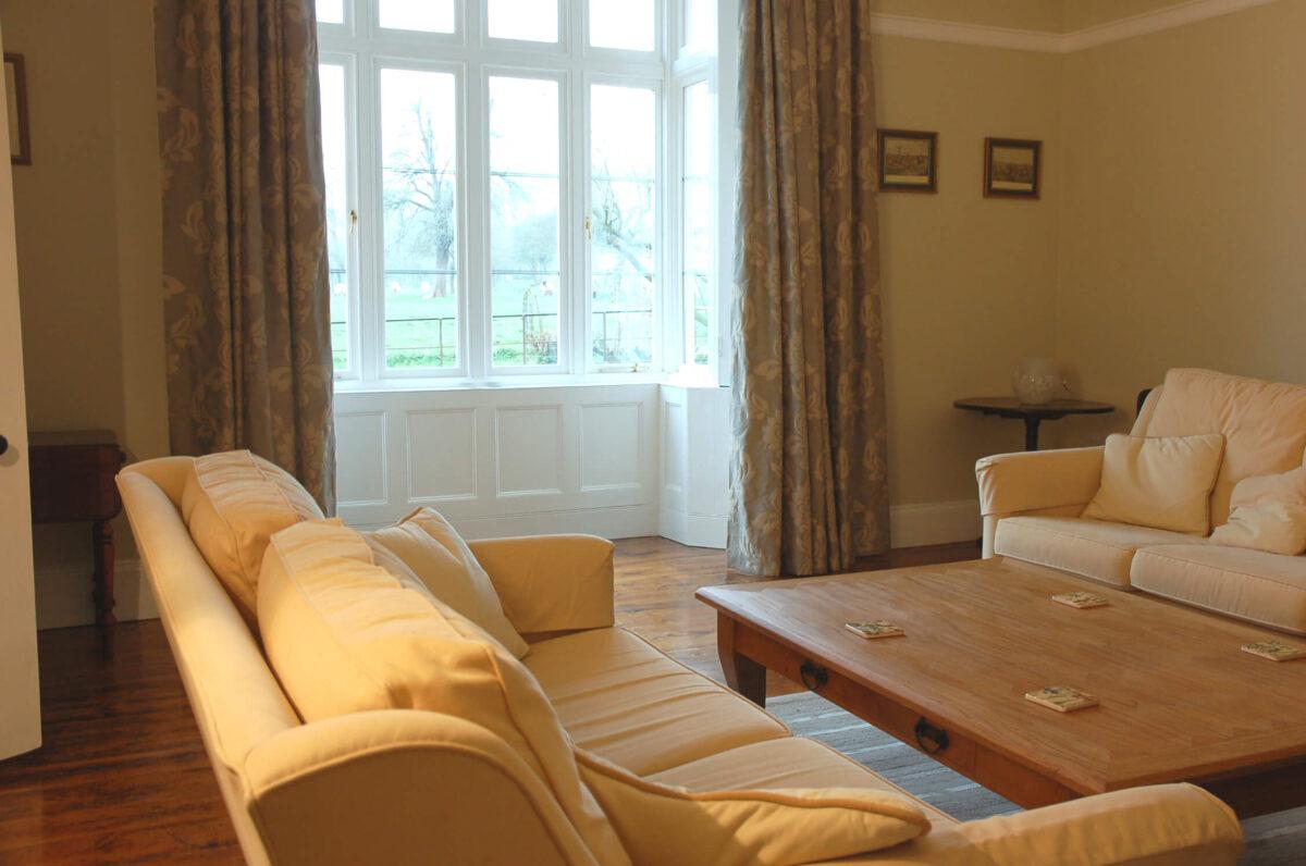 Huntlands Farm 3 Bed Breakfast Guest Lounge