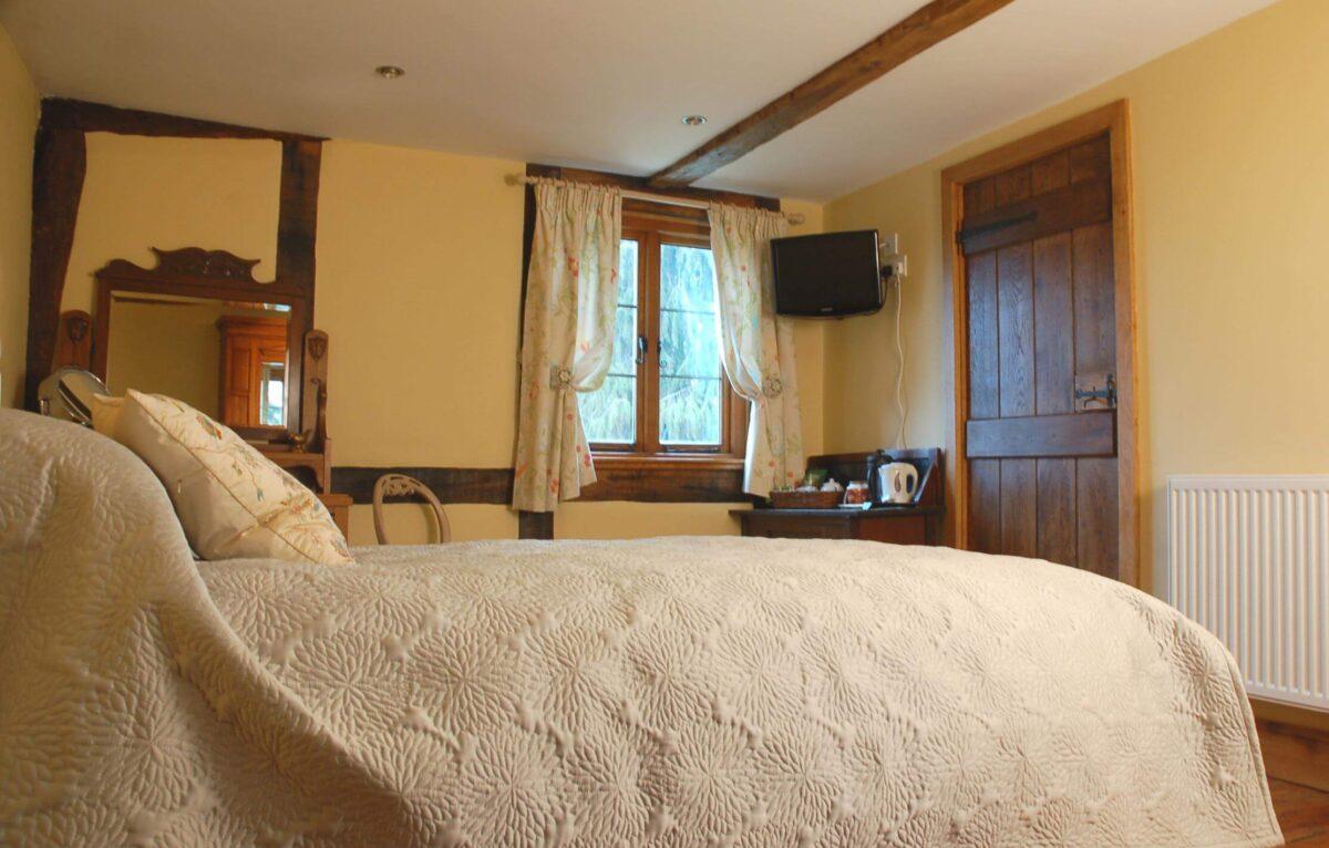 Huntlands Farm 4 The Cosy Room en suite