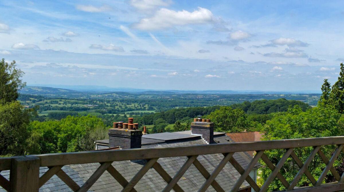 Malvern Hills GeoCentre featuring Cafe H2O 4i