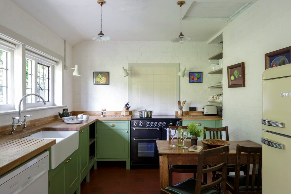 Perrycroft Holiday Cottages 5