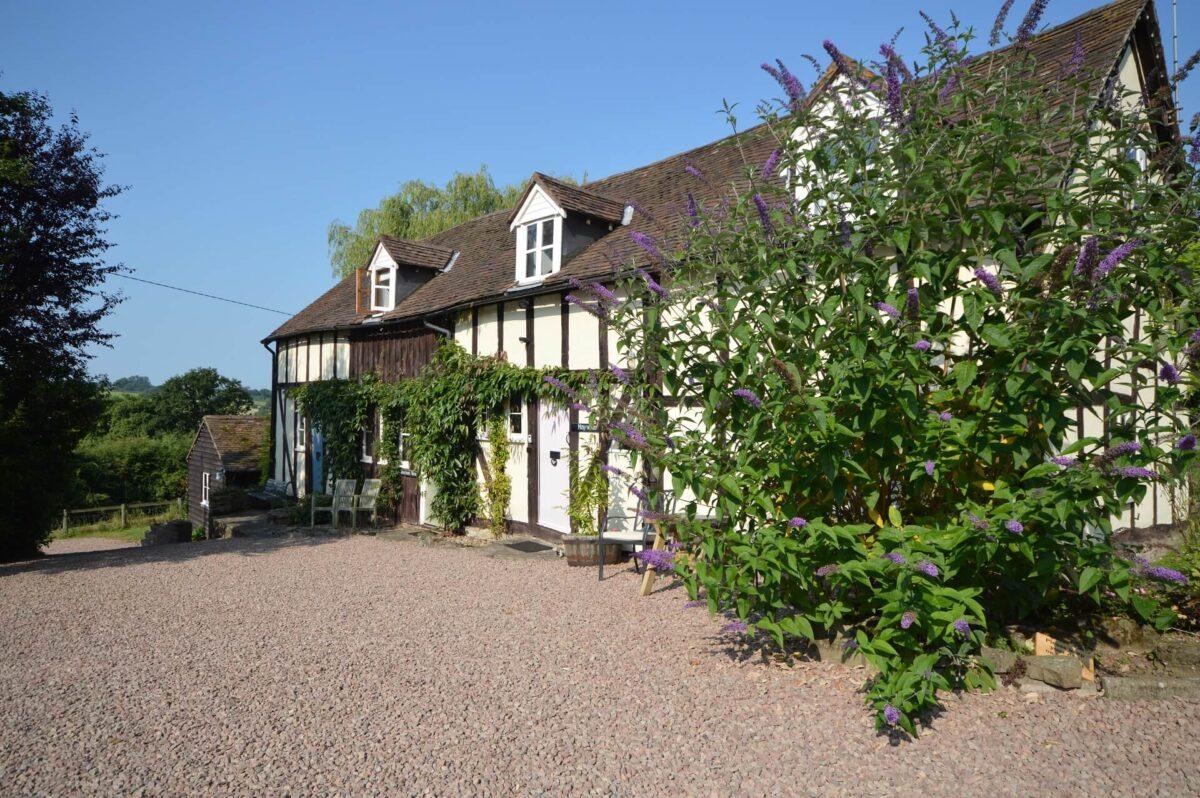 Whitewells Farm Cottages 3