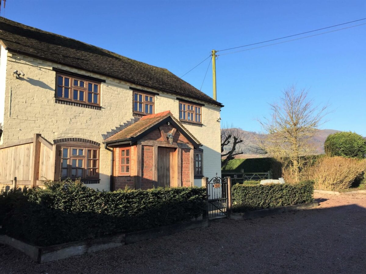 Yew Tree Cottage 1