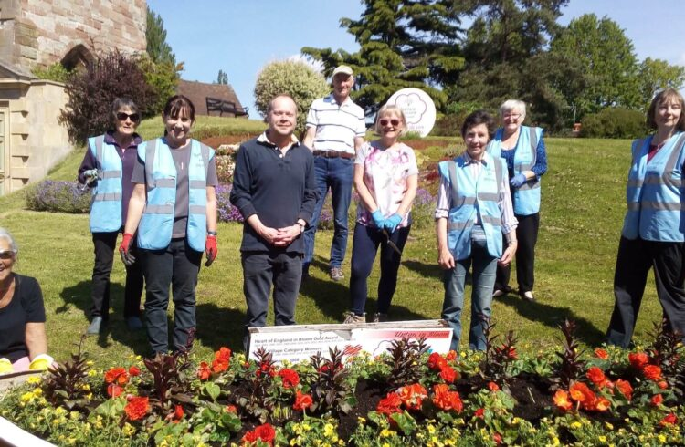 Upton in Bloom volunteers